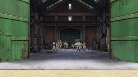 [Commie] Girls und Panzer - 01v2 [00B0DB16].mkv_snapshot_22.09_[2012.12.13_13.12.58]