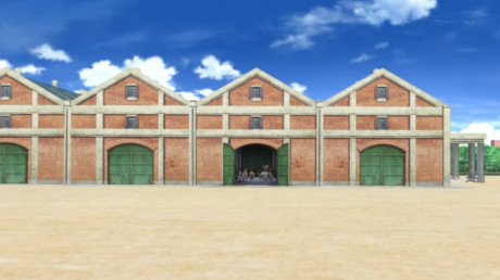 [Commie] Girls und Panzer - 01v2 [00B0DB16].mkv_snapshot_22.12_[2012.12.13_13.13.08]