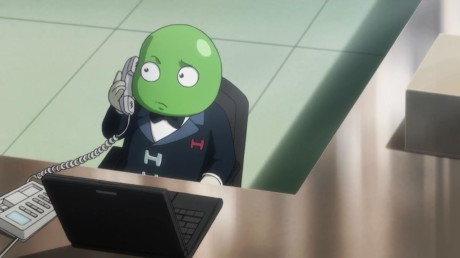 hunter-x-hunter-little-green-guy-on-phone